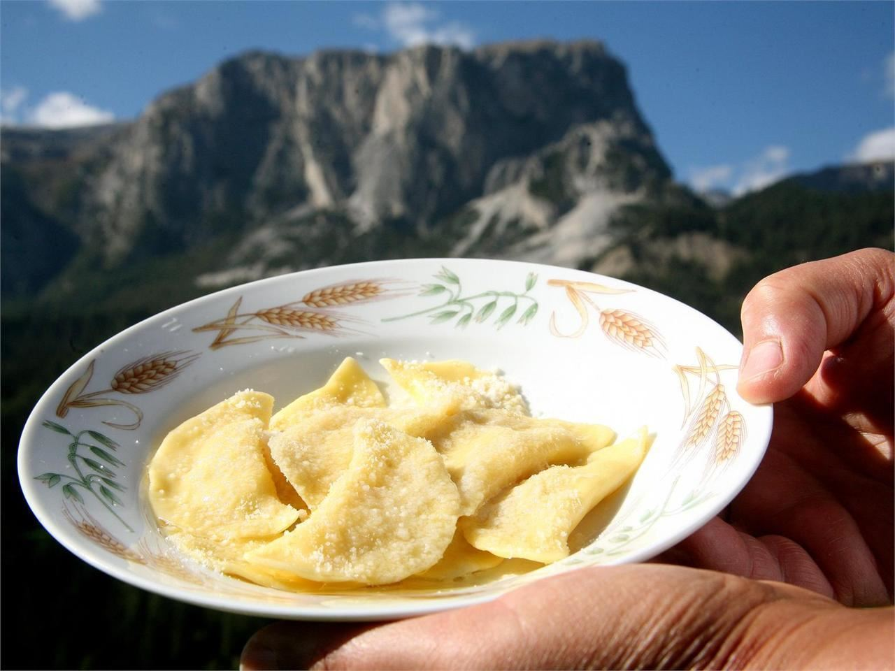 I piatti della tradizione ladina corso di cucina ladina - Corso cucina cannavacciuolo prezzo ...