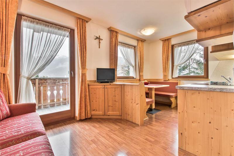 78 wohnzimmer design app app406 kche mit durchgang. Black Bedroom Furniture Sets. Home Design Ideas