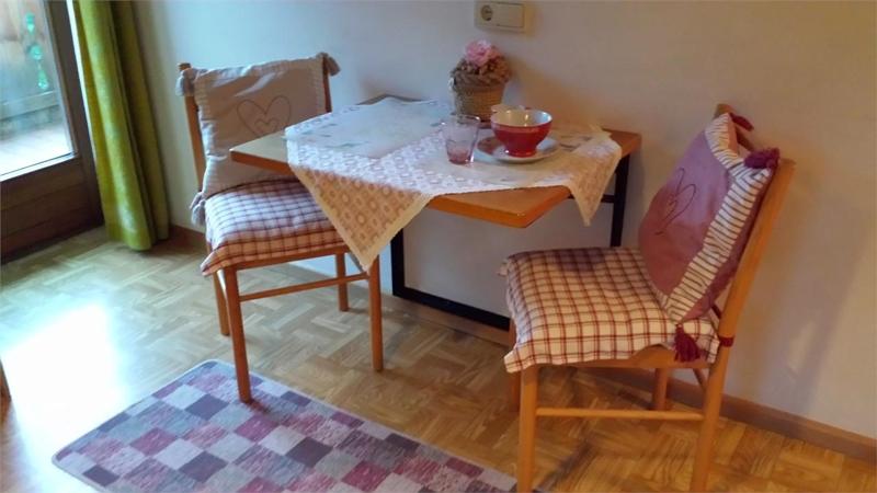 appartements dolomieu. Black Bedroom Furniture Sets. Home Design Ideas
