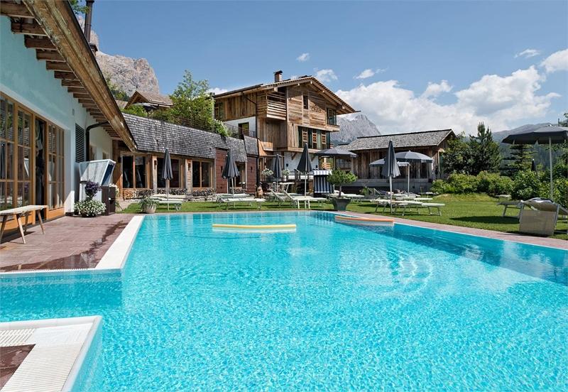 Dolomiti wellness hotel fanes for Design wellnesshotel sudtirol