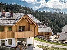 Mountain Chalet Pia