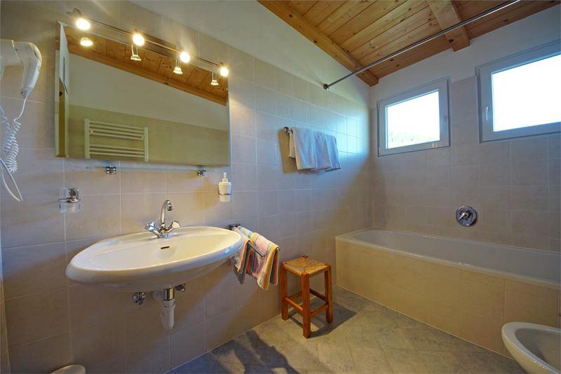 Badezimmer   Wohnung Dachgeschoss