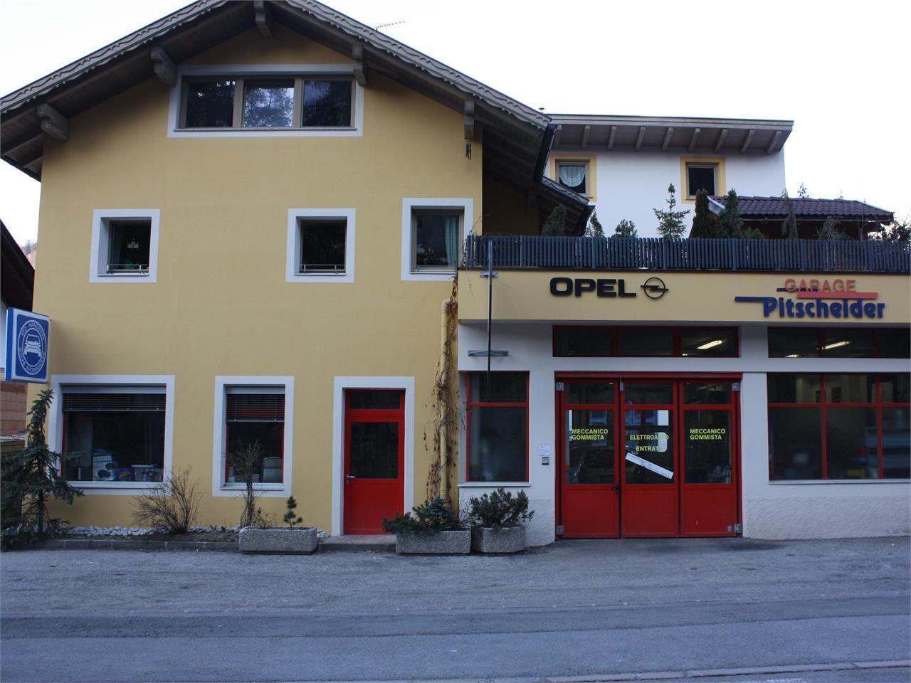 Officina garage pitscheider for Officina garage indipendente