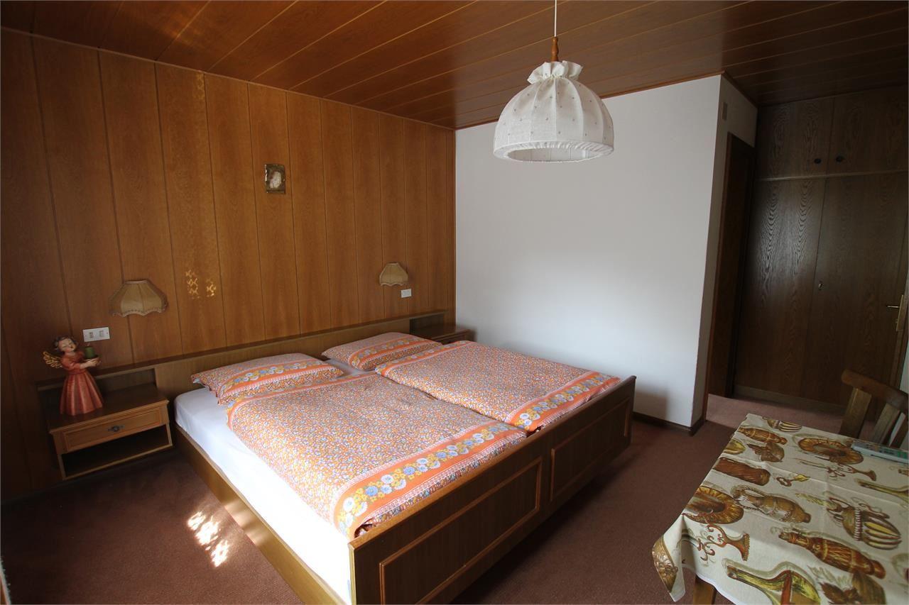garni app fiori. Black Bedroom Furniture Sets. Home Design Ideas