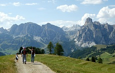 Hikers on the Pralongià plateau above Corvara